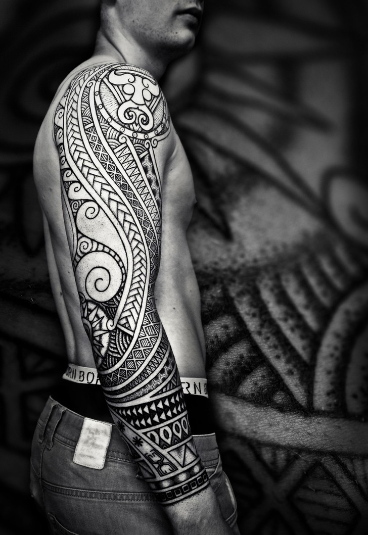 65 Mysterious Traditional Tribal Tattoos For Men And Women 2019