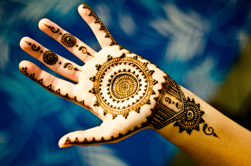 Red Henna Tattoo: How Long Do Henna Tattoos Last