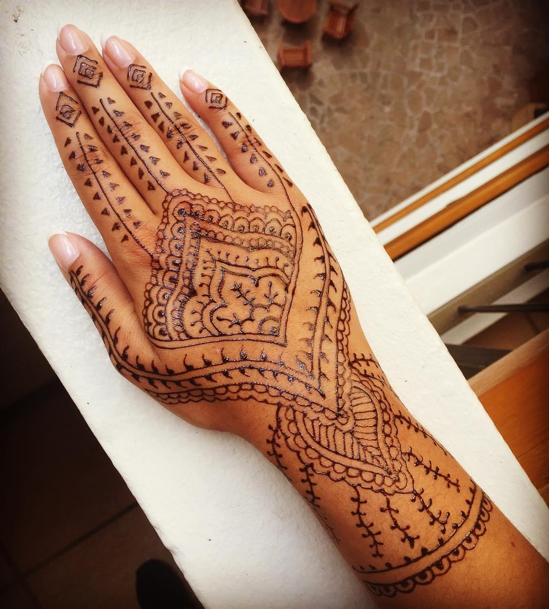 Henna Tattoo Ideas: How Long Do Henna Tattoos Last