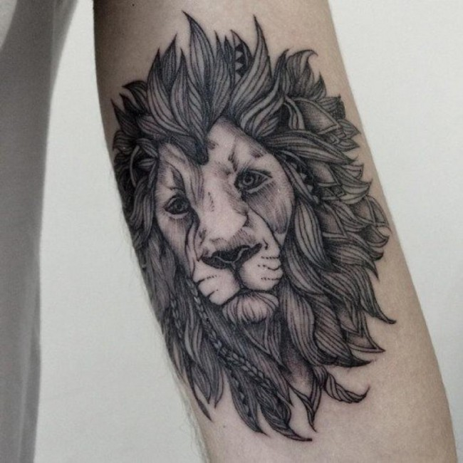 55 amazing wild lion tattoo designs and meaning choose yours. Black Bedroom Furniture Sets. Home Design Ideas