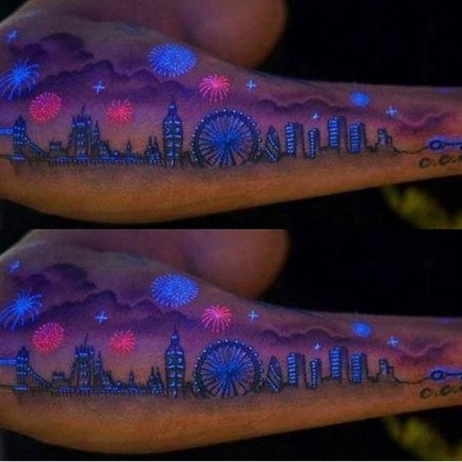 20 Magnifiques Tatouages A L Encre Uv Invisibles 2017 Tattoo Moi