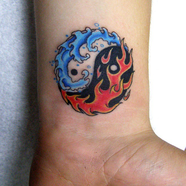 45 creative images of yin yang tattoos for Yin yang meaning tattoo