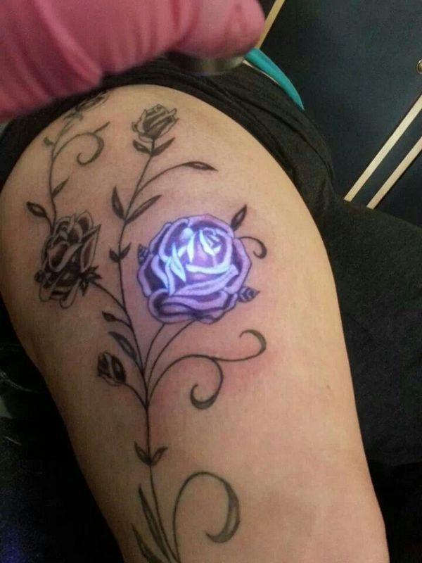glow-in-the-dark-tattoo-10.jpg