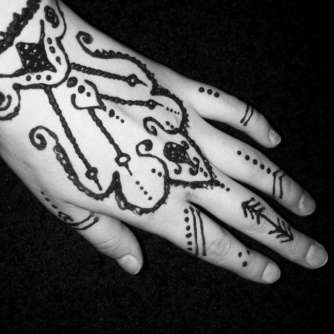 hand-tattoo (13)