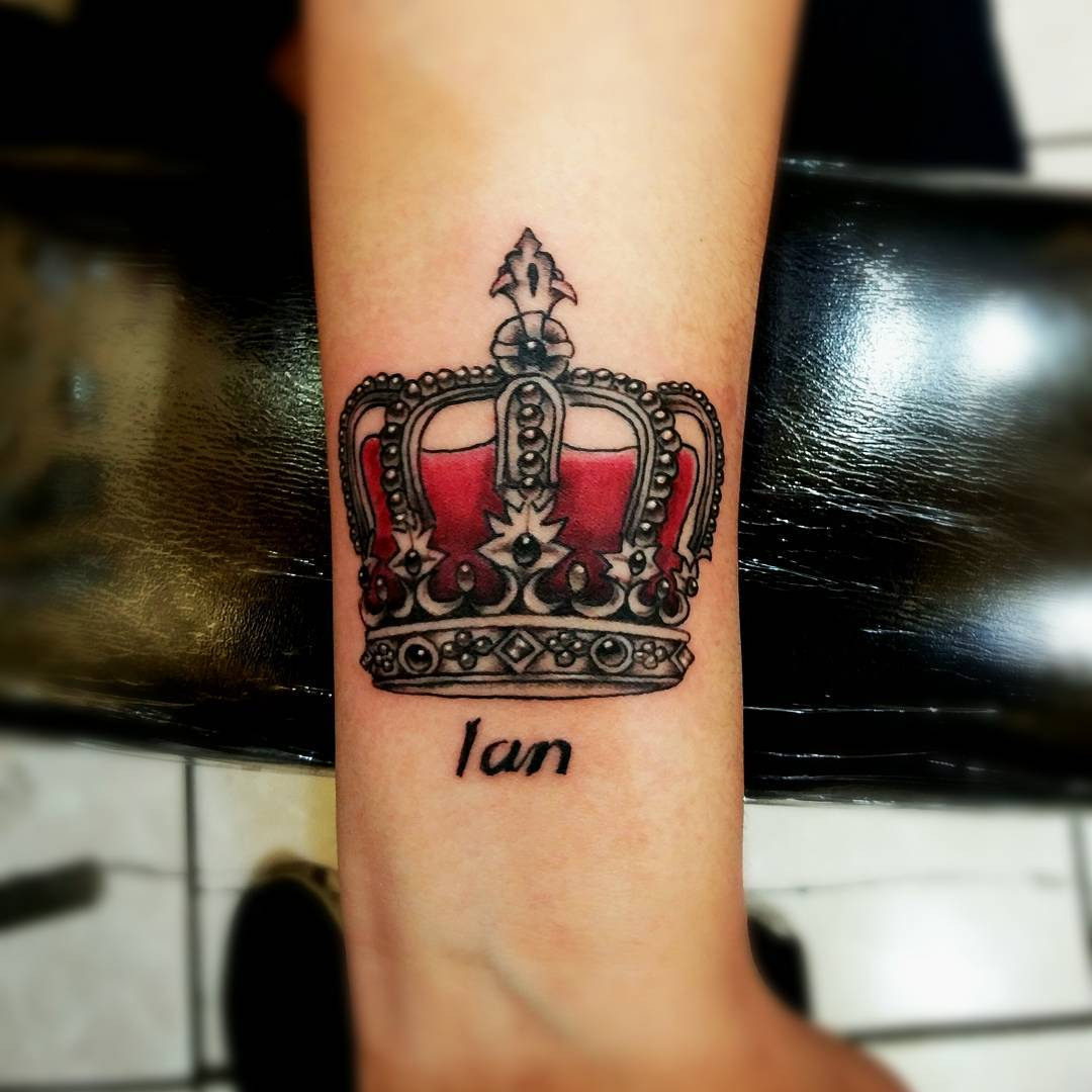 Small Men Crown Tattoo: 55 Best King And Queen Crown Tattoo