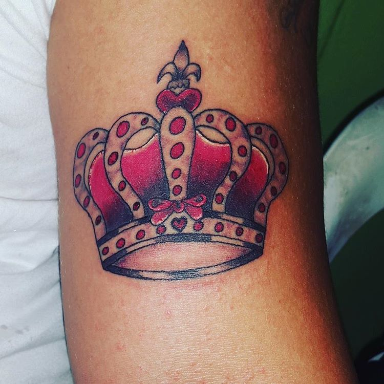 55 best king and queen crown tattoo designs meanings