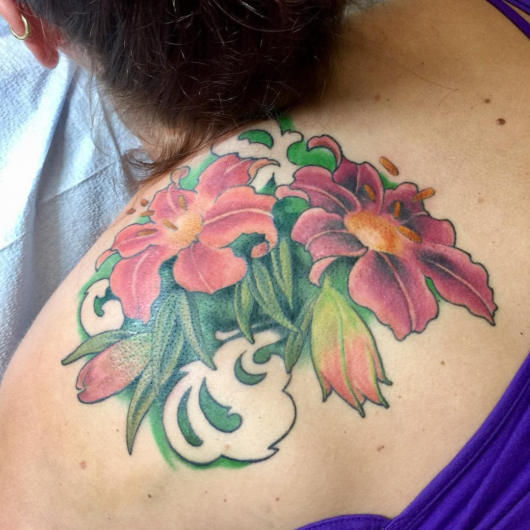 80 Lily Flower Tattoo Designs & Meaning Tenderness & Luck 2017