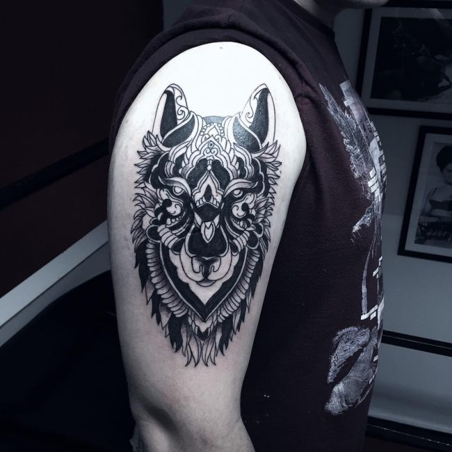 black wolf face tattoo