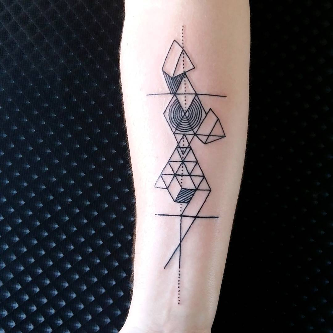 100+ Geometric Tattoo Designs & Meanings