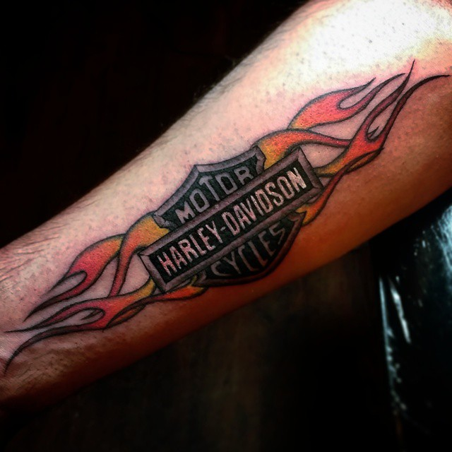 25 Adventurous Harley Davidson Tattoos - photo#14