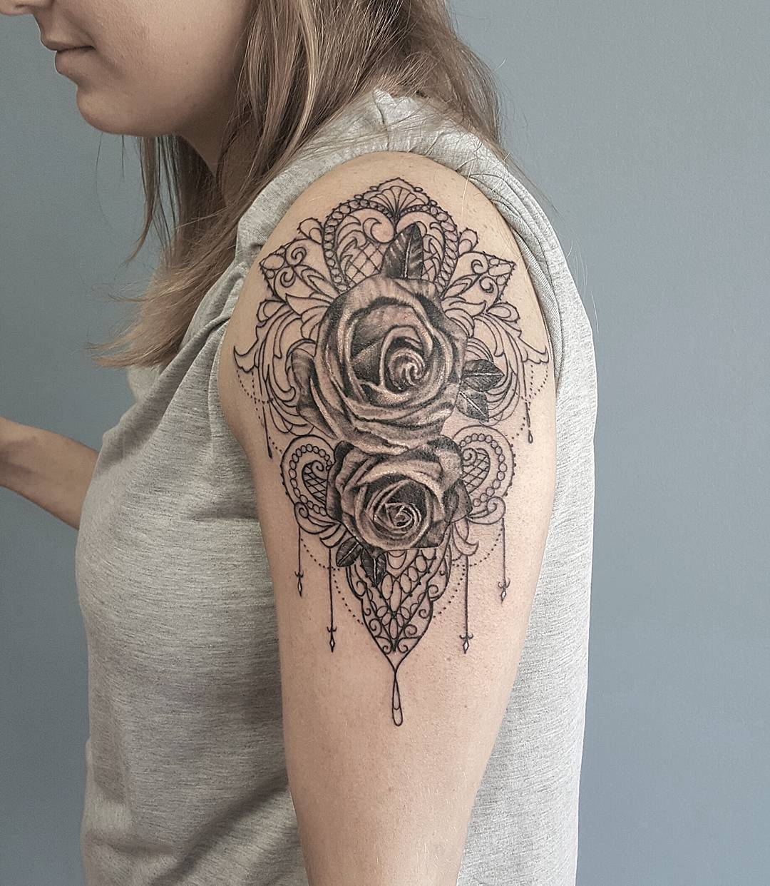 60 best lace tattoo designs meanings sexy and stunning for Upper arm tattoos
