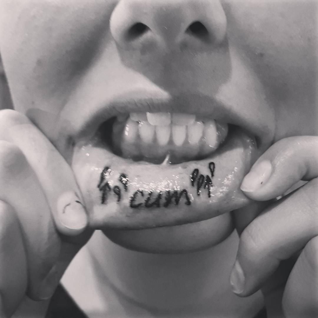 40 Best Lip Tattoo Designs and Ideas - Aphrodisiac Kisses (2019)