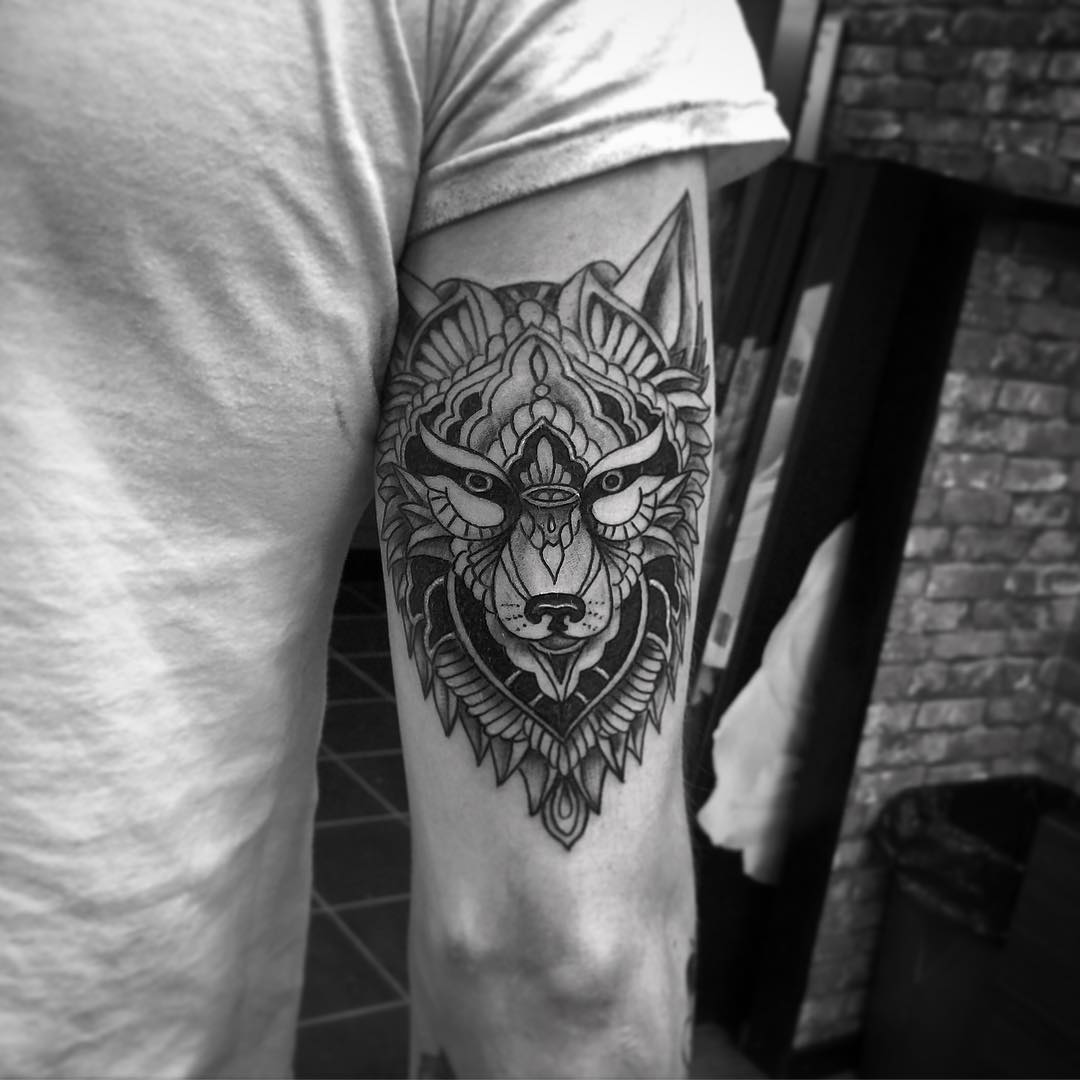 95+ Best Tribal Lone Wolf Tattoo Designs & Meanings (2019