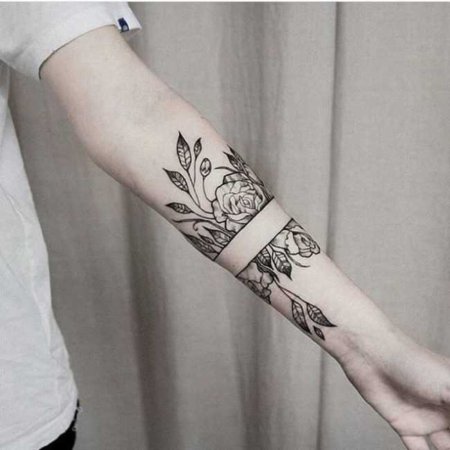 75 Best Hand Tattoo Designs Designs Meanings 2018