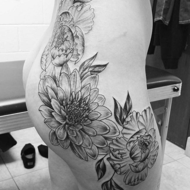 35 Seductive Hip Tattoo Designs For Girls