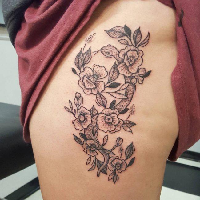 hip tattoo