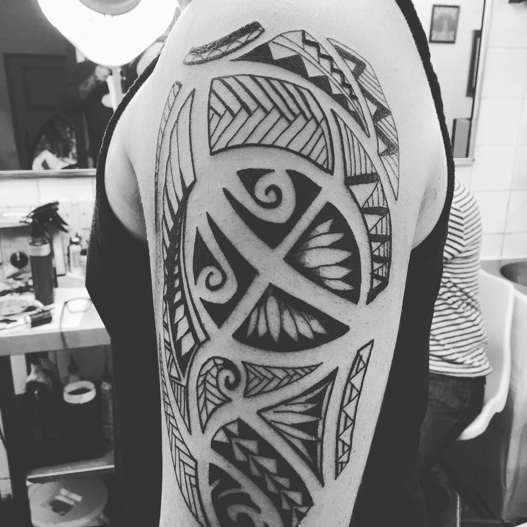65+ Mysterious Traditional Tribal Tattoos For Men And