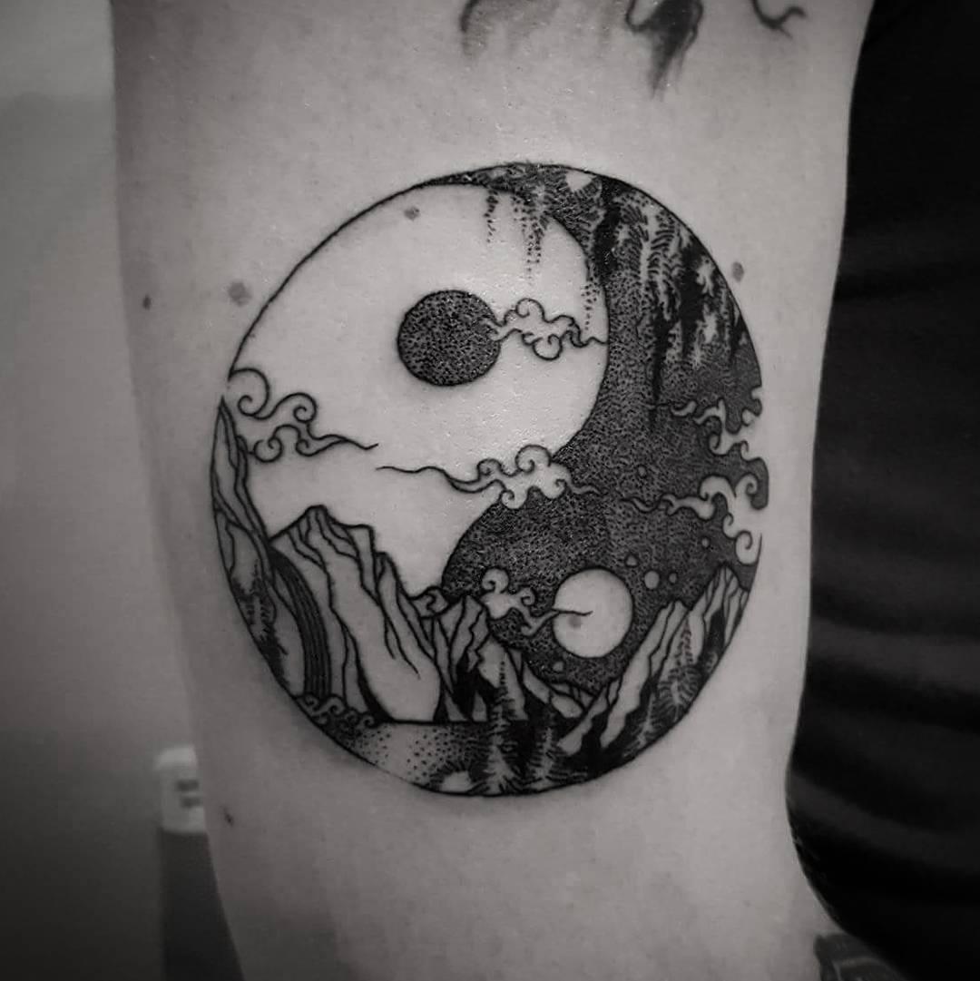 115+ Best Yin Yang Tattoo Designs & Meanings