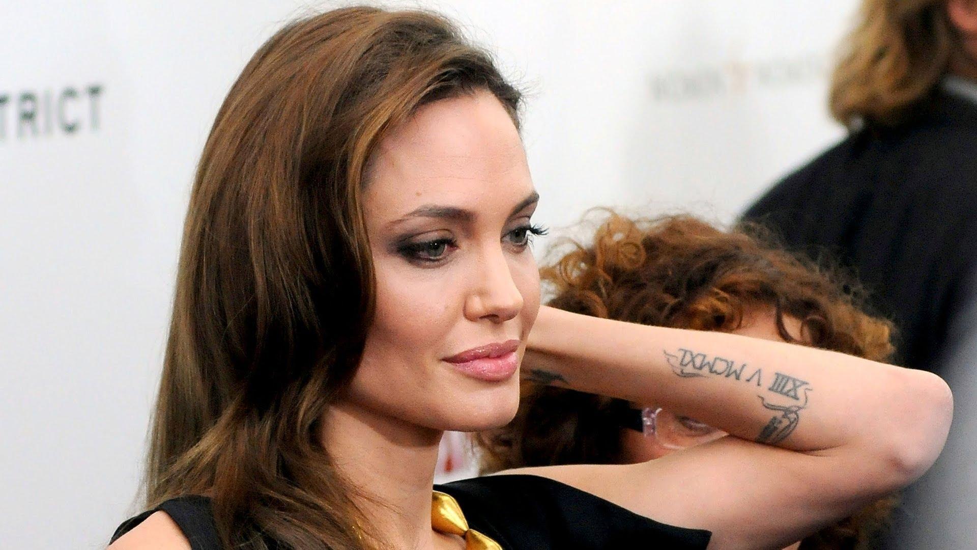 angelina-jolie-tattoo Angelina Jolie