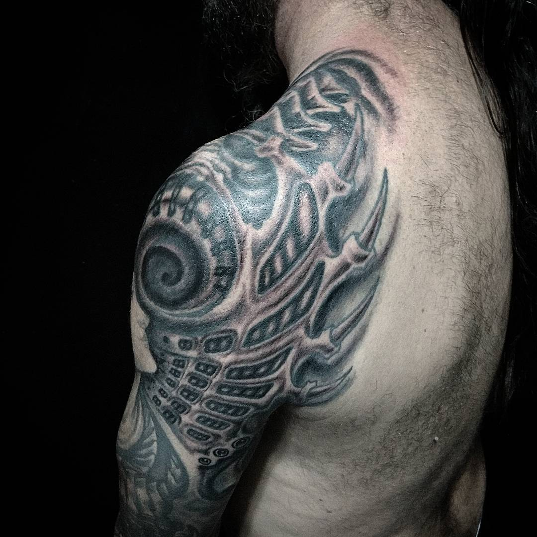 12 biomechanical chest tattoo designs robot forearm mens biomechanical piece best tattoo. Black Bedroom Furniture Sets. Home Design Ideas