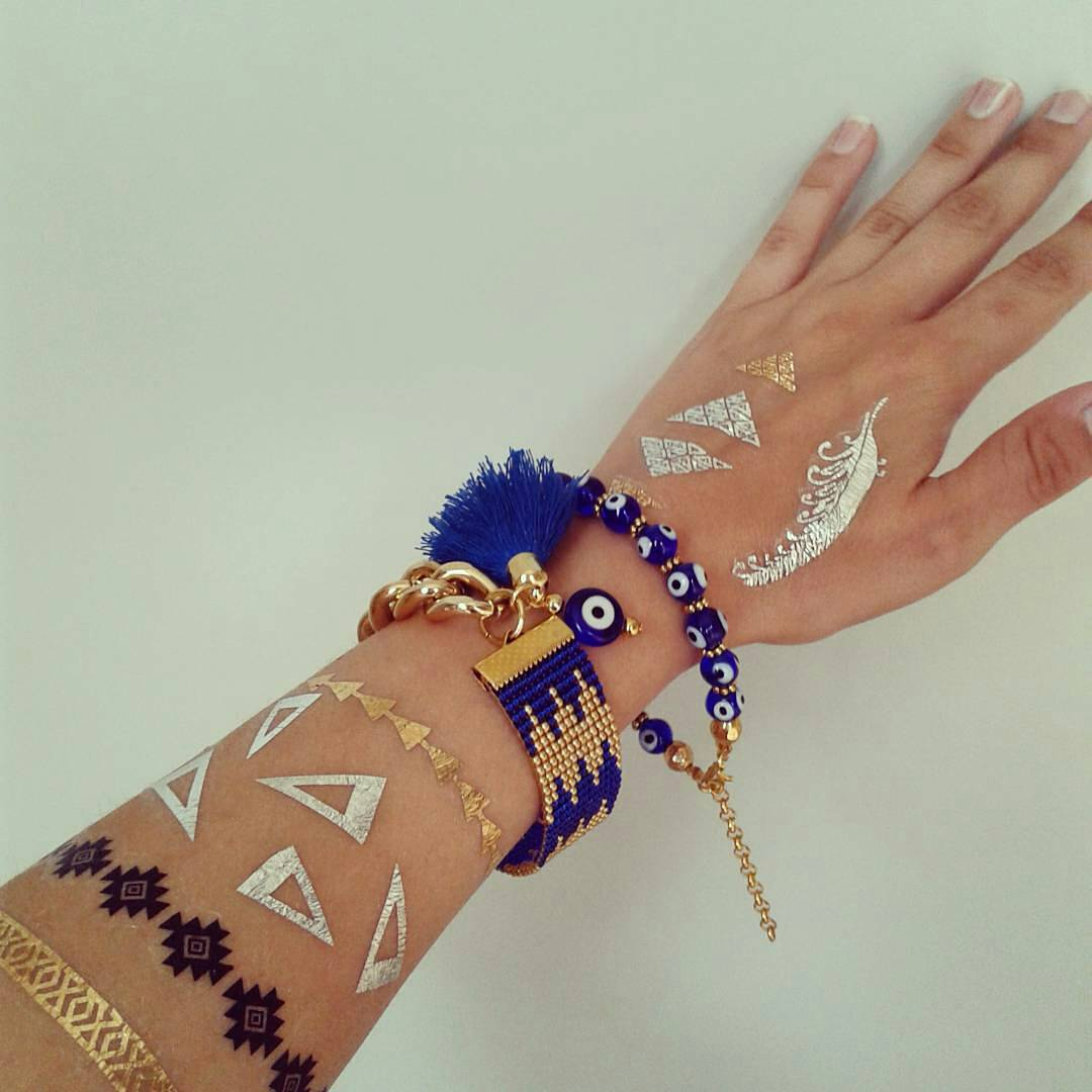 50 gold tattoo designs and ideas for women feel like a for Heart of gold tattoo