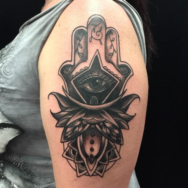 80 Best Hamsa Tattoo Designs Meanings Symbol Of Protection2018