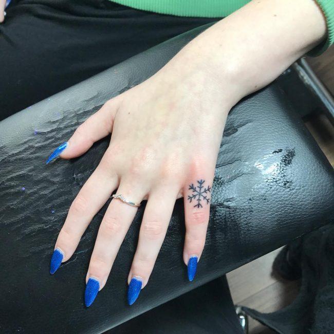 knuckle tattoos