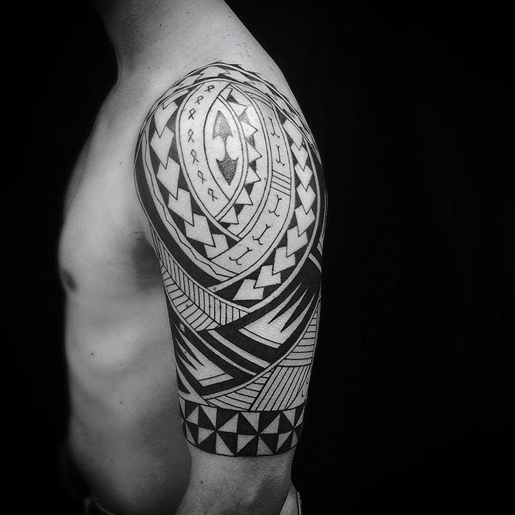 35 best samoan tattoo designs amazing tribal patterns. Black Bedroom Furniture Sets. Home Design Ideas