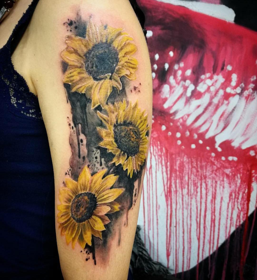 80 bright sunflower tattoos designs meanings for for Sunflower tattoo thigh
