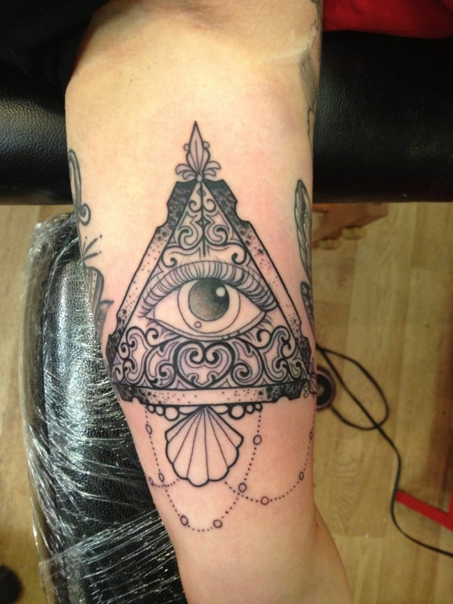 all seeing eye tattoo (9)