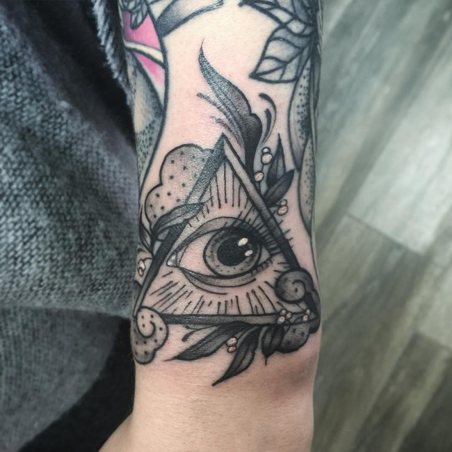 all seeing eye tattoo (39)