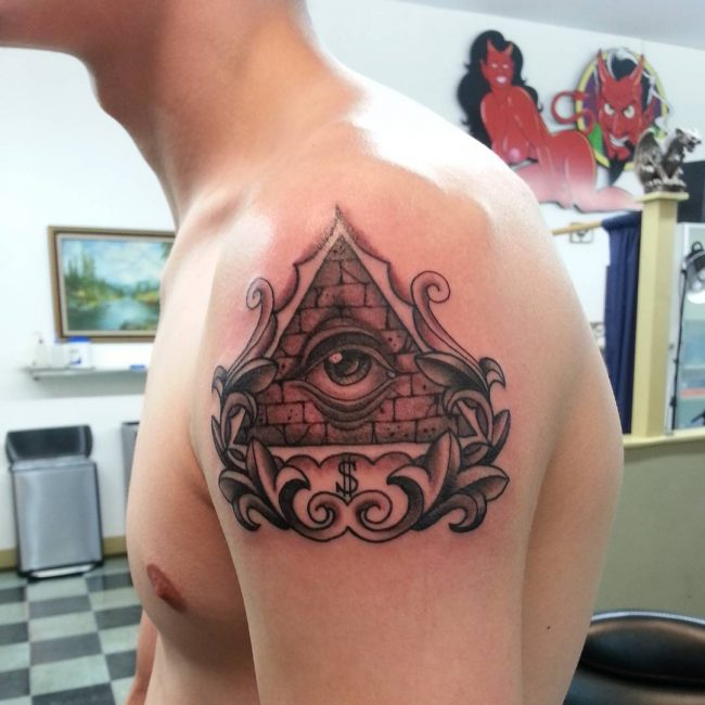 all seeing eye tattoo_