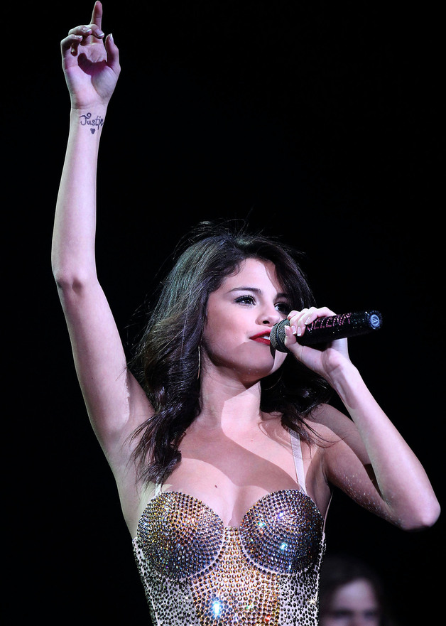 selena gomez tattoo (3)