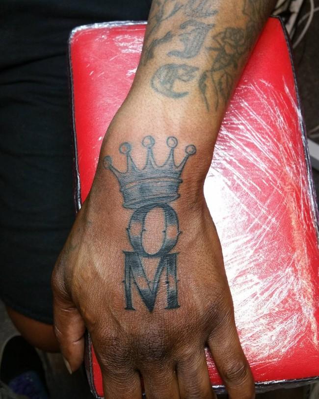 initial tattoo 16