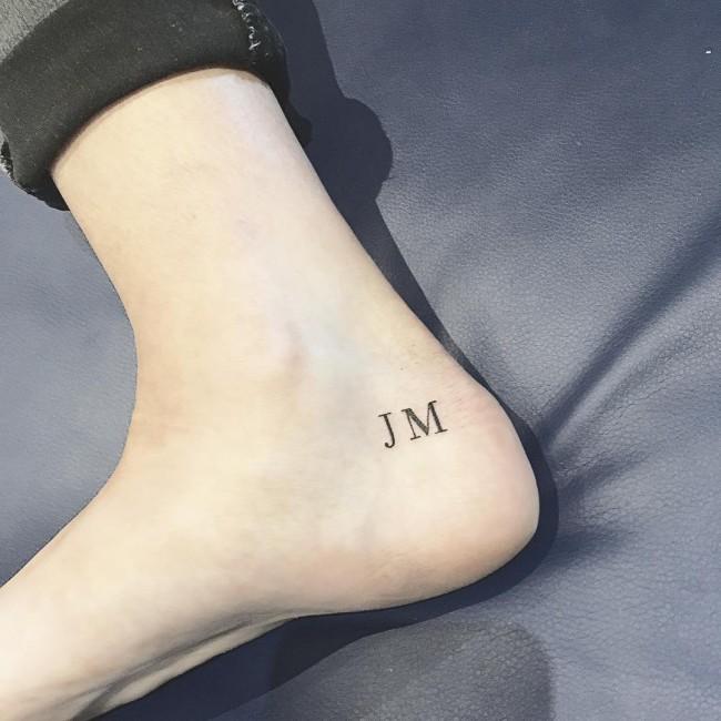 initial tattoo 5