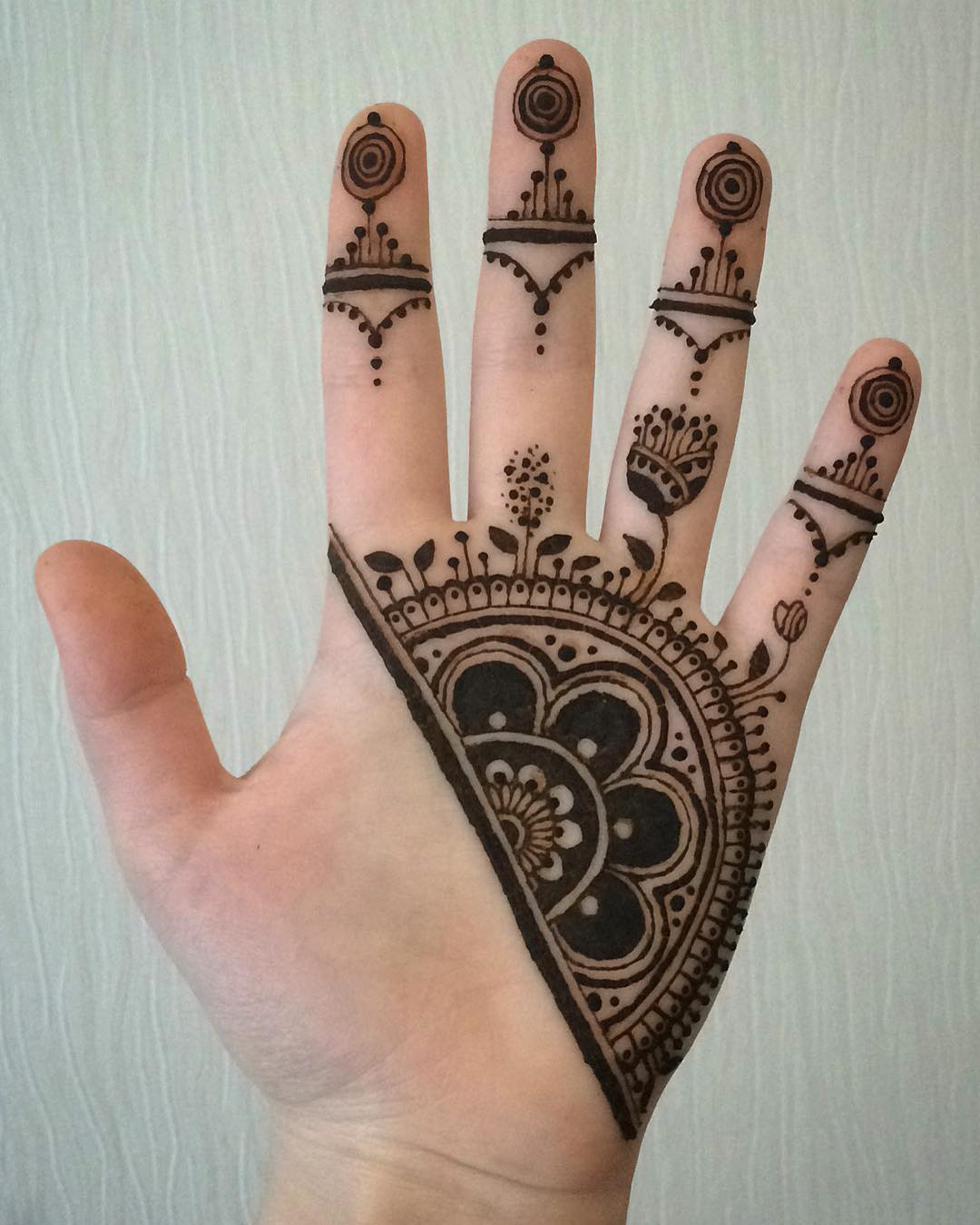 65 festive mehndi designs celebrate life and love with henna tattoos. Black Bedroom Furniture Sets. Home Design Ideas