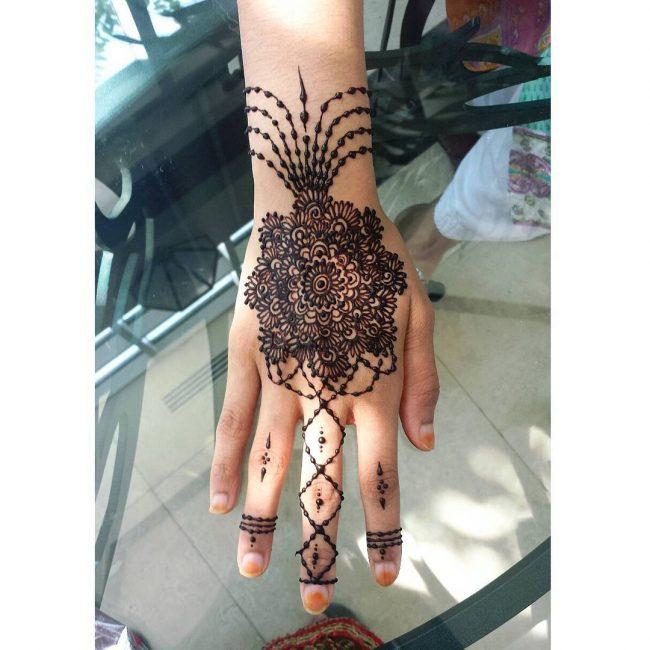 Mehndi designs39
