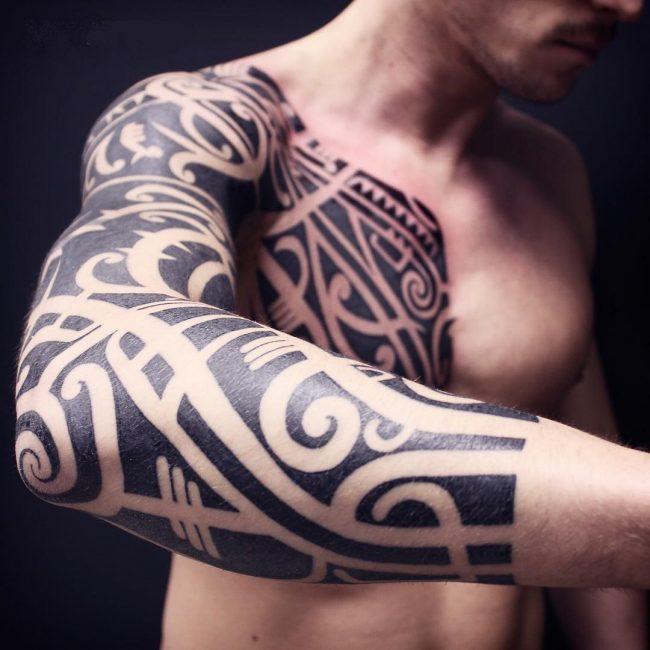 blackwork tattoo23
