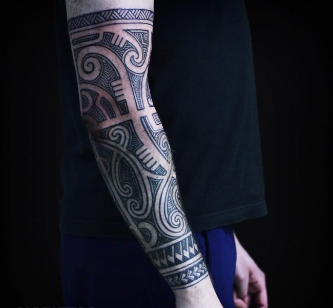 blackwork tattoo24