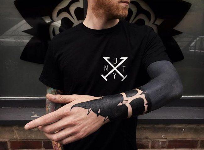 blackwork tattoo4