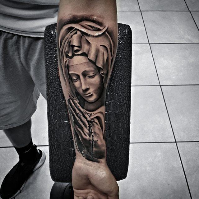 christian tattoos35