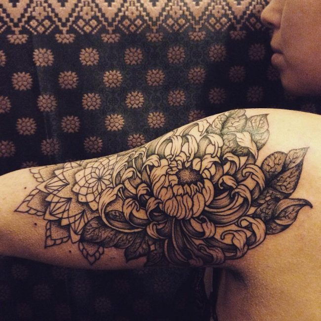 chrysanthemum tattoo47