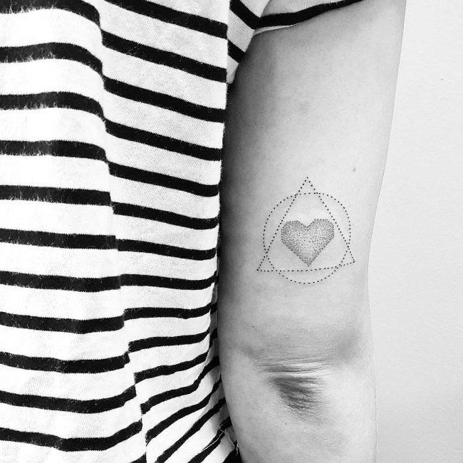 feminine tattoo24