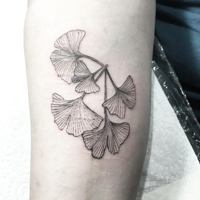 feminine tattoo4