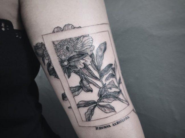 feminine tattoo8