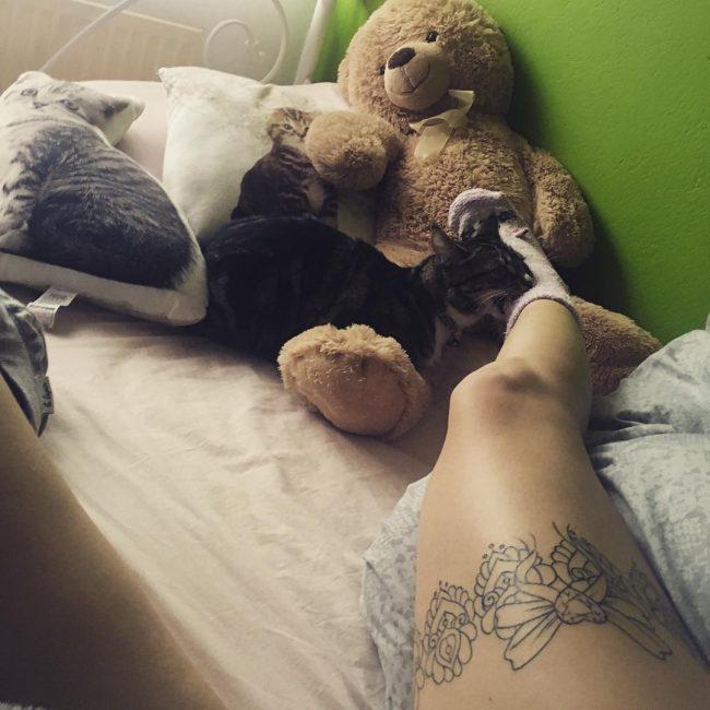 garter tattoo24