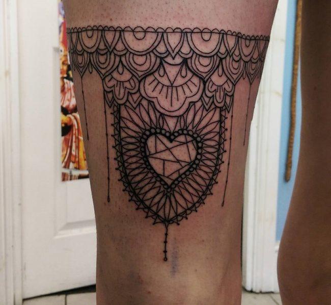 garter tattoo6