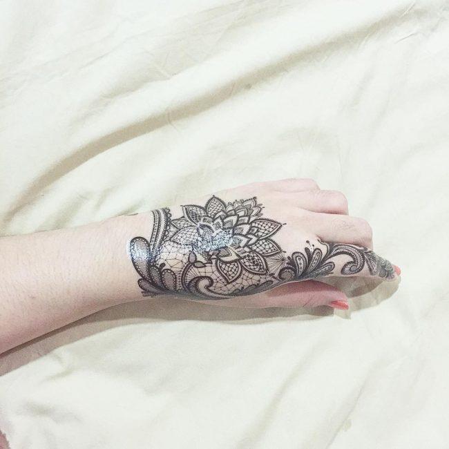 lace tattoo1