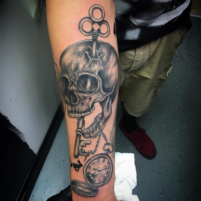 pocket watch tattoo17