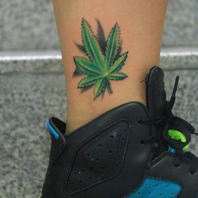 weed tattoo1